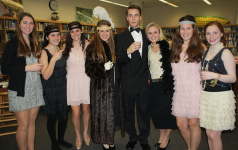 Juniors from Mrs. Flinter and Mrs. Tomich's classes celebrated the Roaring '20s with the annual Great Gatsby party.