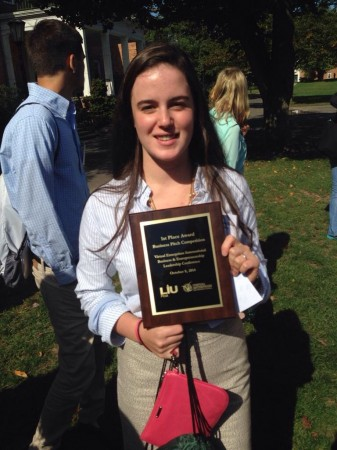 Fressia Ferrantino with the for winning the elevator pitch at LIU Post