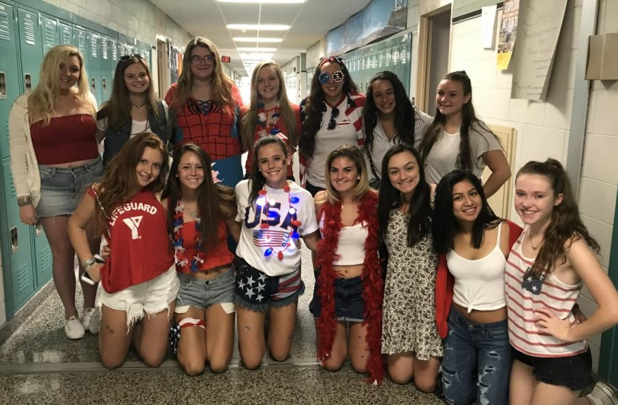 Seniors+showing+their+USA+pride+Monday+morning+at+WHBHS