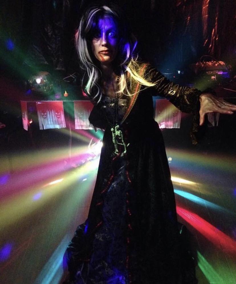 Member of Club Boogie, in costume Instagram: @spookywalkli